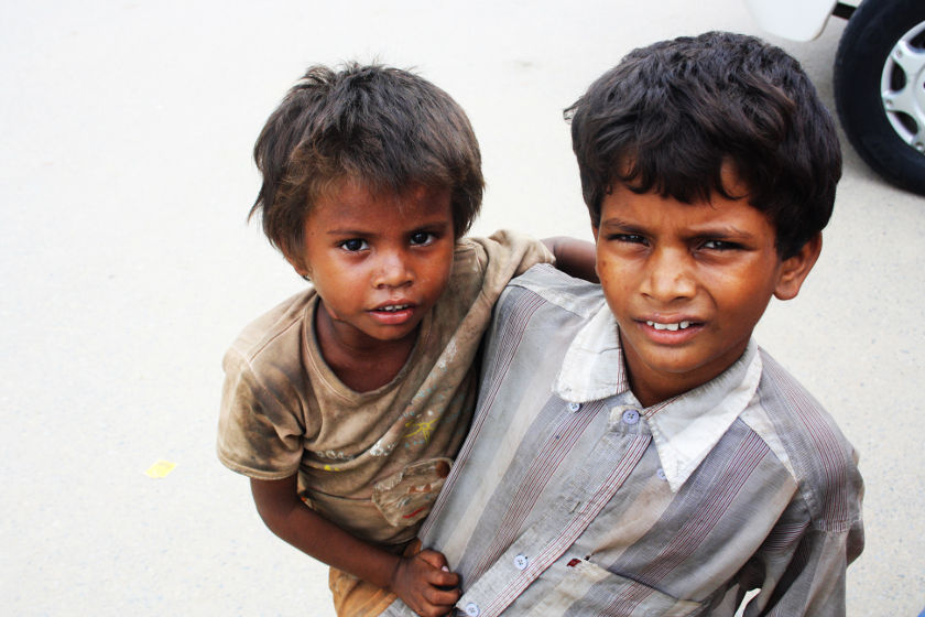 Детство, проведенное в бедности, изменяет связи в мозге и повышает риск развития депрессии
